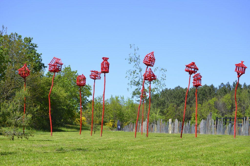 Cages-pour-oiseaux-libres-de-la-Grée-des-Landes-b-2000x1