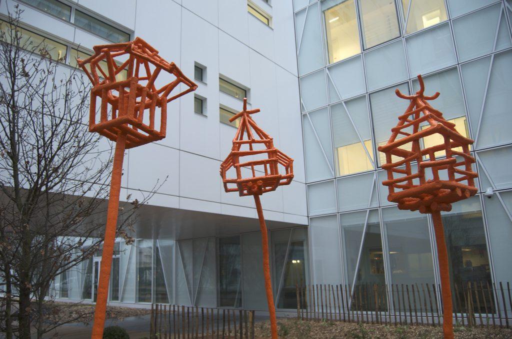 Les-cages-pour-oiseaux-libres-dIssy-ext-V2